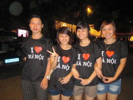 Young Hanoians show their pride by wearing 'I Love Hanoi' t-shirts