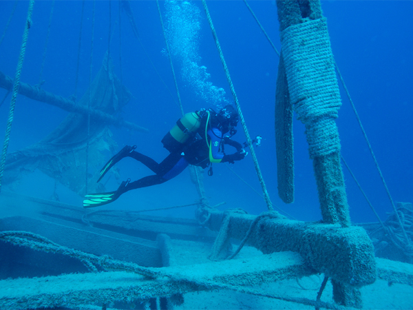 Photo of the Week (02 January 2010) - Wreck Diving, Kaş, Turkey