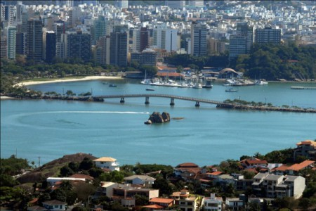 brazil vitoria praia do canto 450x300 The Cities of Vitória and Vila Velha Expand whl.travels Extensive Presence in Brazil