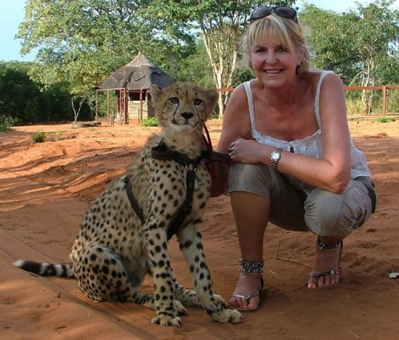 Lindy Nauta with cheetah in Livingstone, Zambia