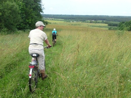 Lithuania agritourism - Cycling in the field