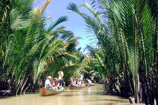 potw vietnam rolling boats Photo of the Week: Rolling Boats along the Mekong Delta, Vietnam