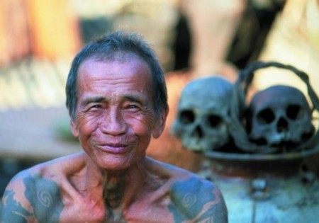 borneo sarawak iban tattoo 450x315 Preserving the Tribal Custom of the Ibans, Once the Headhunters of Borneo