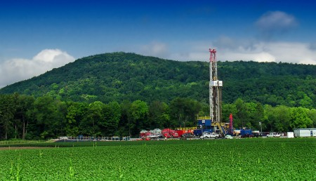 Hydraulic fracturing rigs