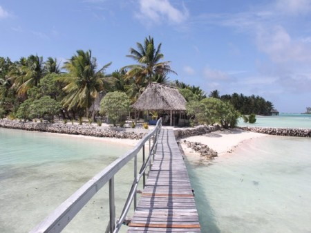 remote lodging - Tabon Te KeeKee Ecolodge in Kiribati