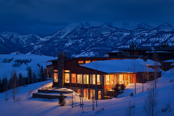 For family travel and vacation rentals, this Ranch View Lodge sits atop East Gros Ventre Butte, between downtown Jackson and Teton Village, Wyoming