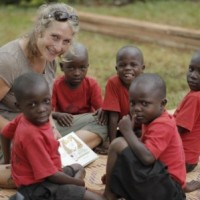 Read Community and Giving Back Can Go Hand in Hand Through Voluntourism