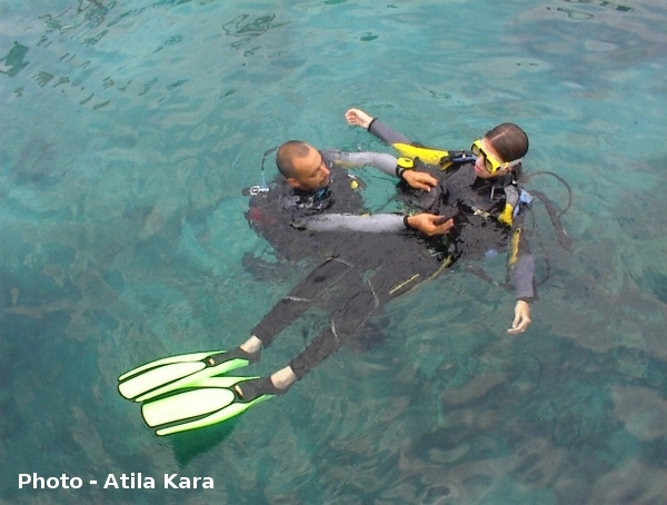 An easy, safe and fun way to enjoy scuba diving in Kaş is to do a Discover Dive. No previous experience necessary!