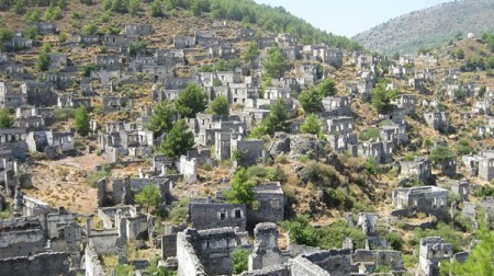 Kayaköy Village was abandoned after the 1923 population exchange between Greek Muslims and Turkish (Greek) Orthodox Christians