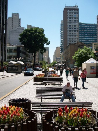 Rua das Flores (Flowers Street), in Curitiba, was the first pedestrian street in all of Brazil. It was inaugurated in 1972 and has since become a stage for street performers like clowns, man statues, musicians and poets. Photo courtesy of Bibiana Antoniacomi Schappel from Flickr/whltravel