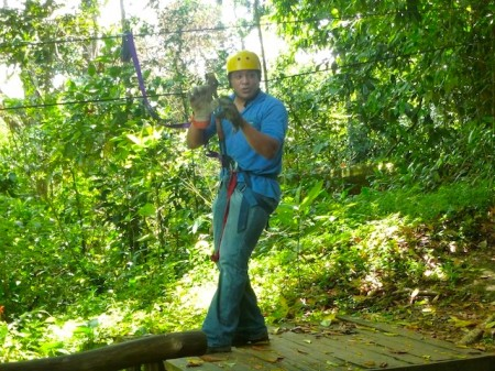 Zip-line safety review and practices in Pozo Azul, Costa Rica
